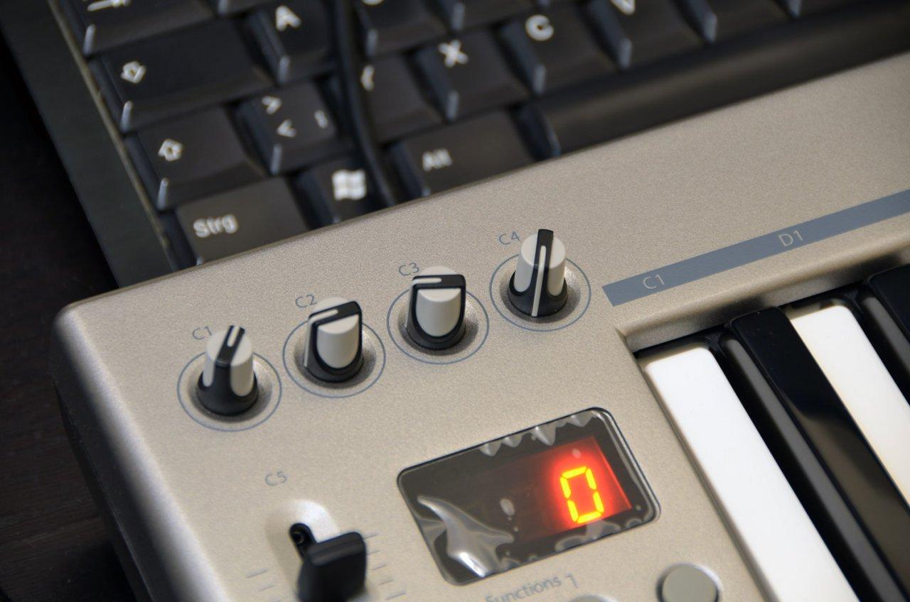 05_Controller.jpg