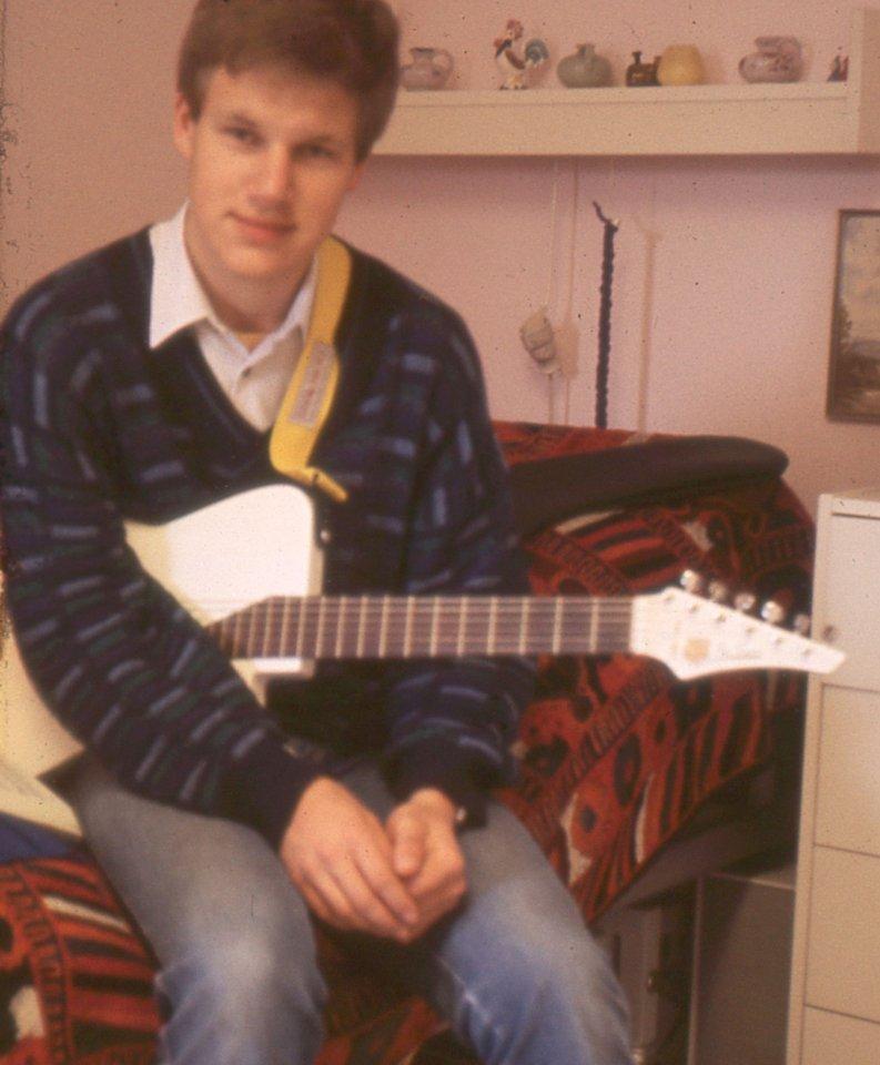 1.Gitarre_bearbeitet3.jpg