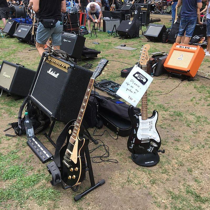 10 bjoerns gitarre 500.jpg
