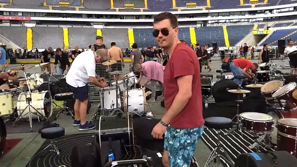 18 drums gear 1000.jpg