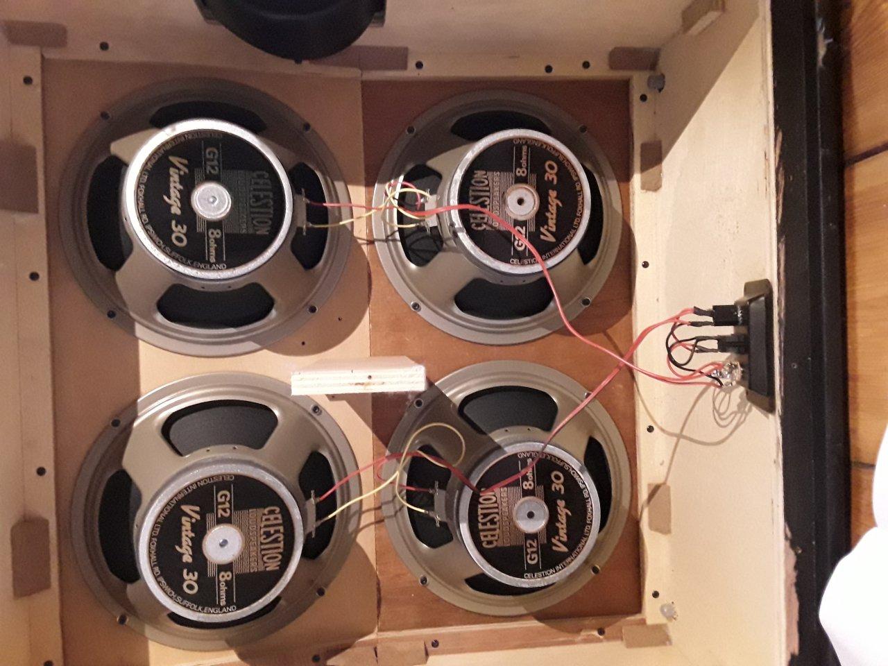 Hilfe bei Buchsen-Verkabelung 4x12er Box: Vermutlich defektes Mono ...