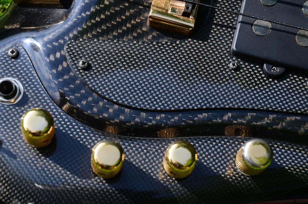 34 Miller Fabfive Headless Carbon Bass 14.jpg