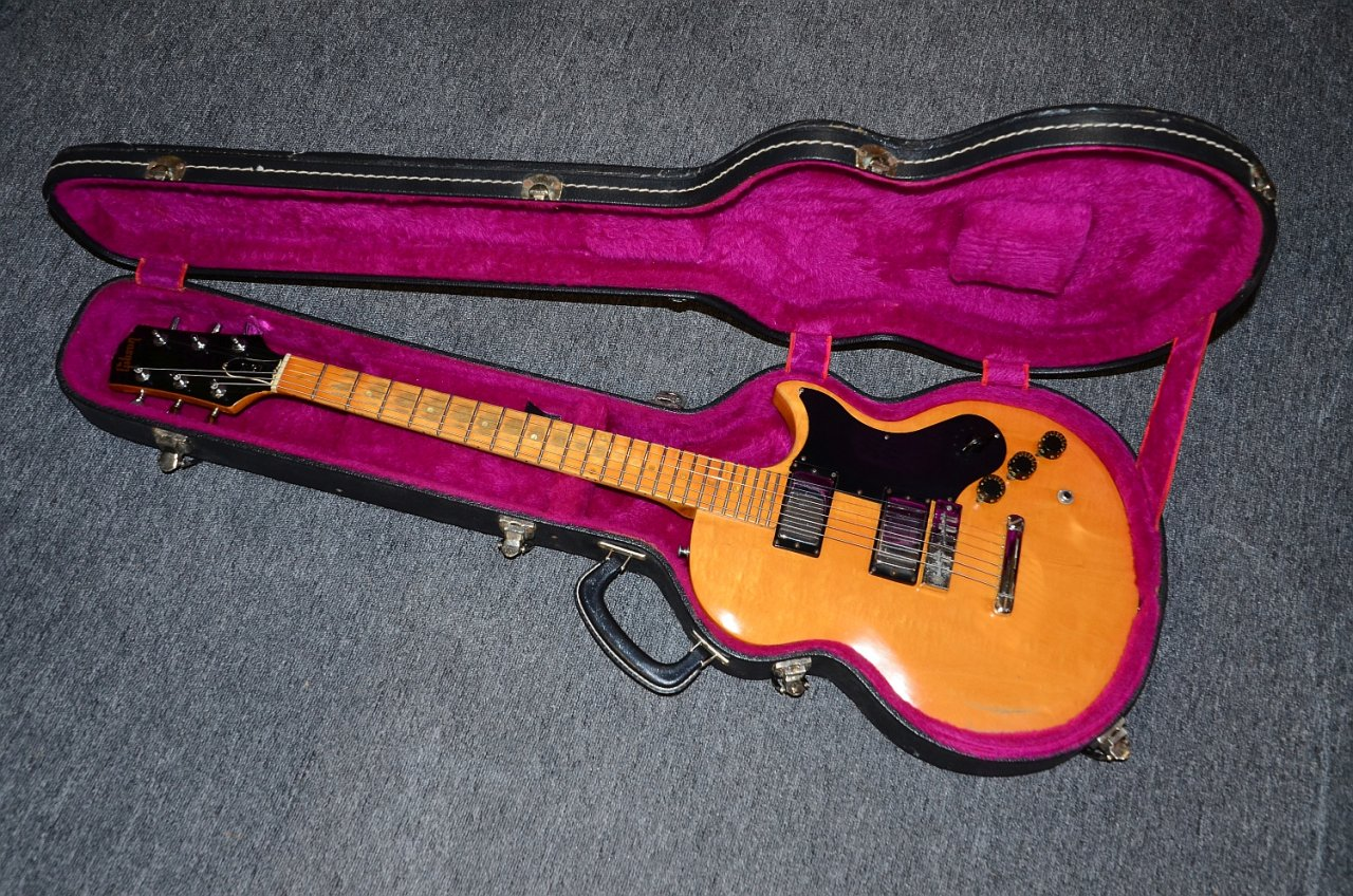 48 Gibson L6-S 1975 11.jpg