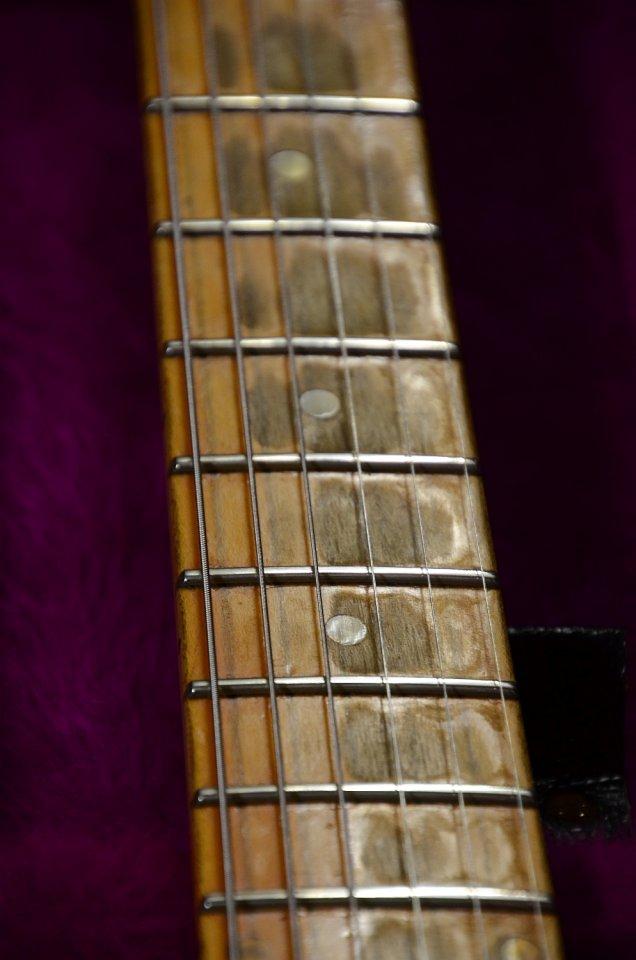 48 Gibson L6-S 1975 24.jpg