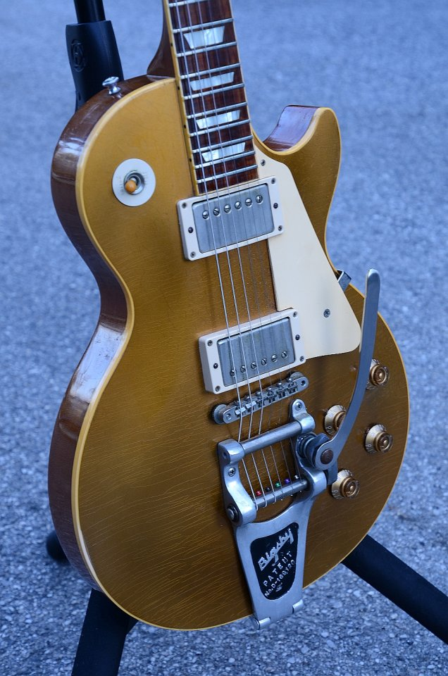 50 Gibson Les Paul Historic Collection Goldtop 1996 18.jpg