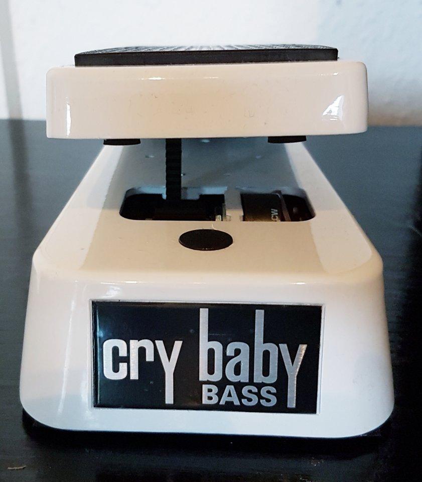 crybaby-bass_fr.jpg
