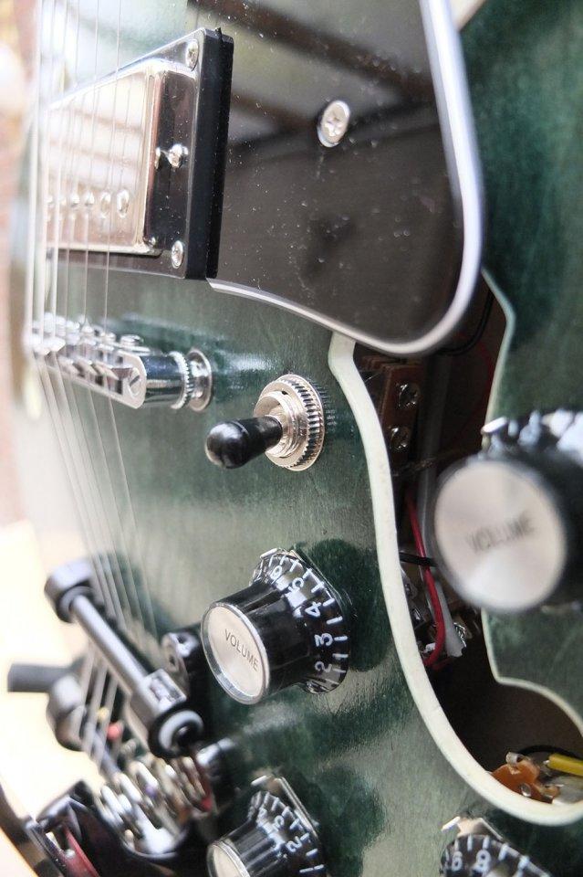 dc guitar13.jpg