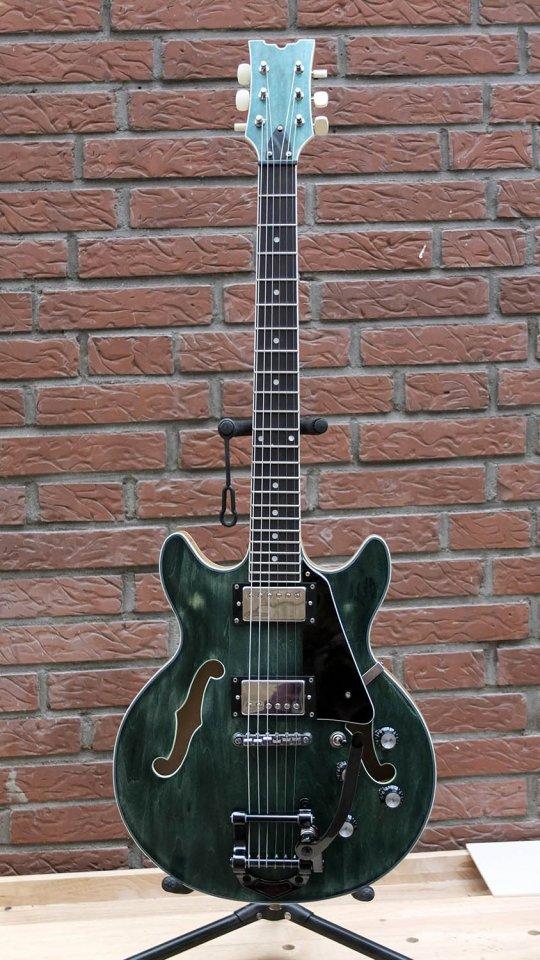 dc guitar3.jpg