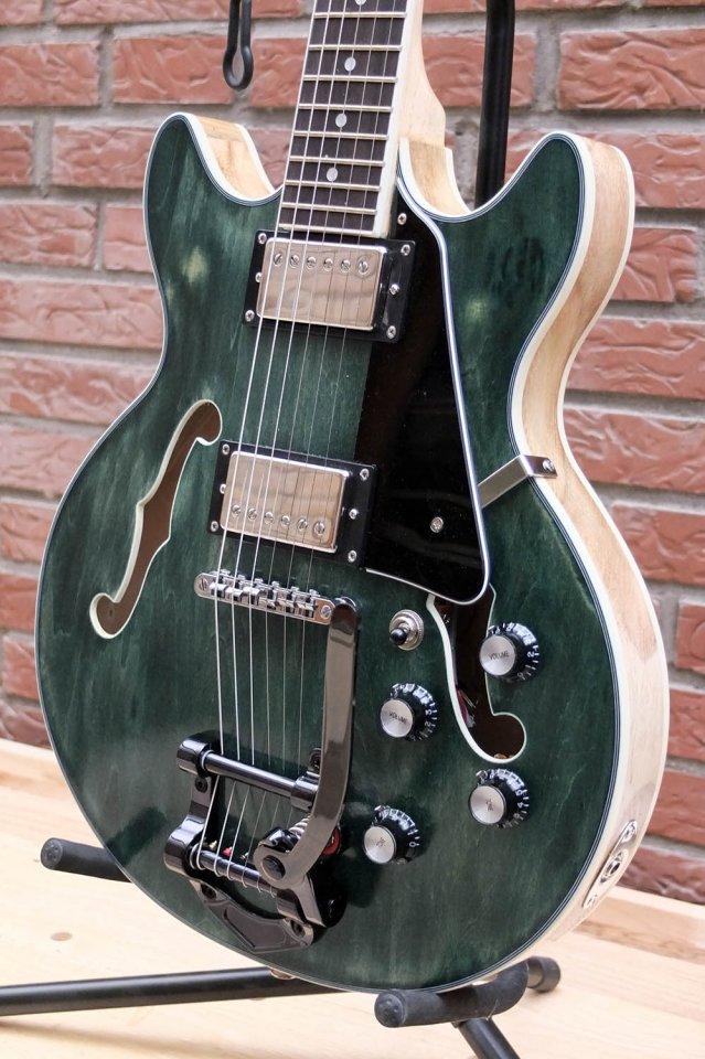 dc guitar4.jpg