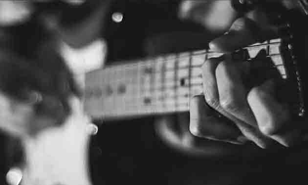 den-richtigen-gitarrenlehrer-finden