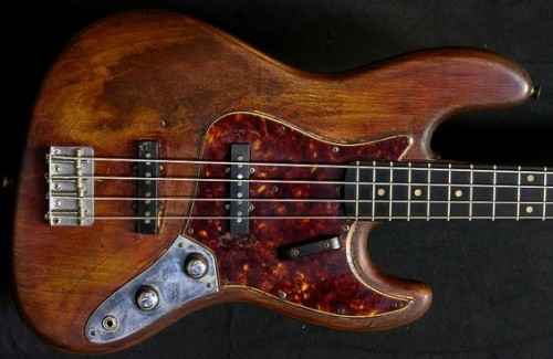 Fender Bass Natural.jpg