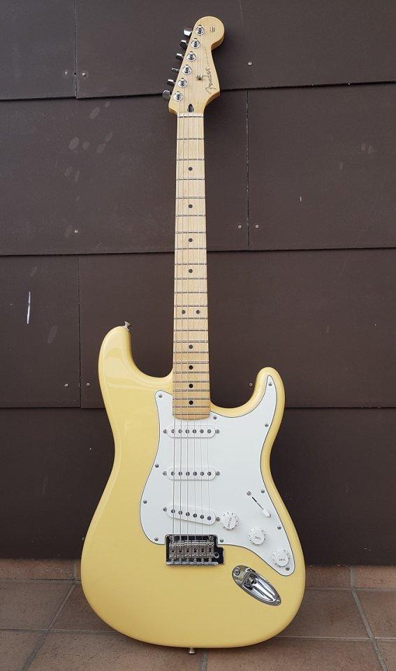 Fender Player Stratocaster SSS 06_K.jpg