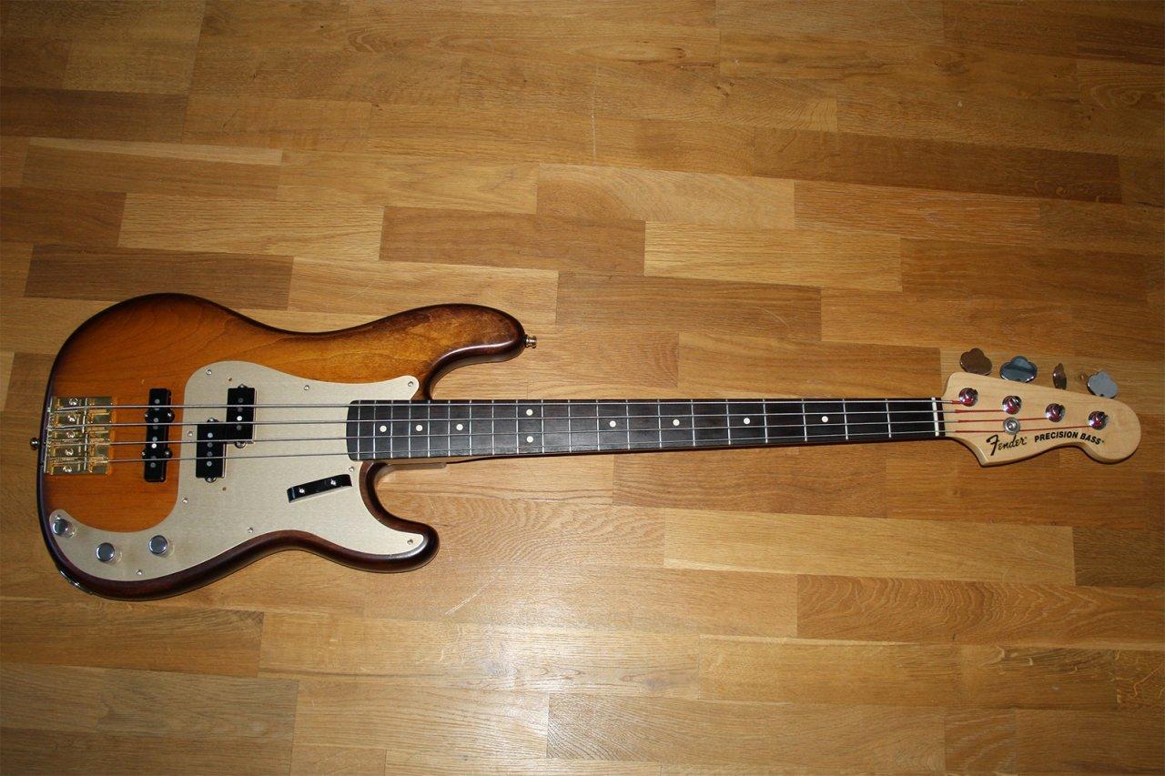 Fender-USA-PJ-VIB-precision-Bass.jpg