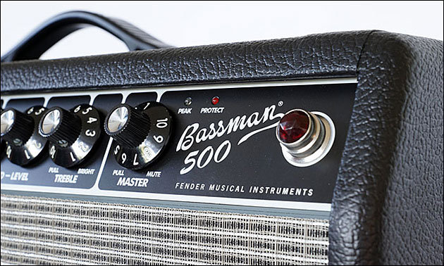 Fender_Bassman_500_front_right.jpg