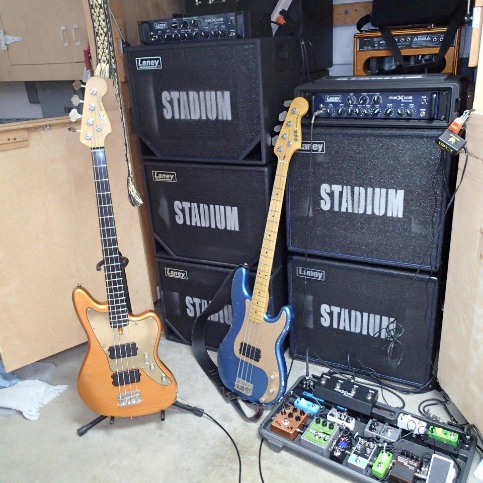 Garry_Gary_Beers_bass_equipment.jpg