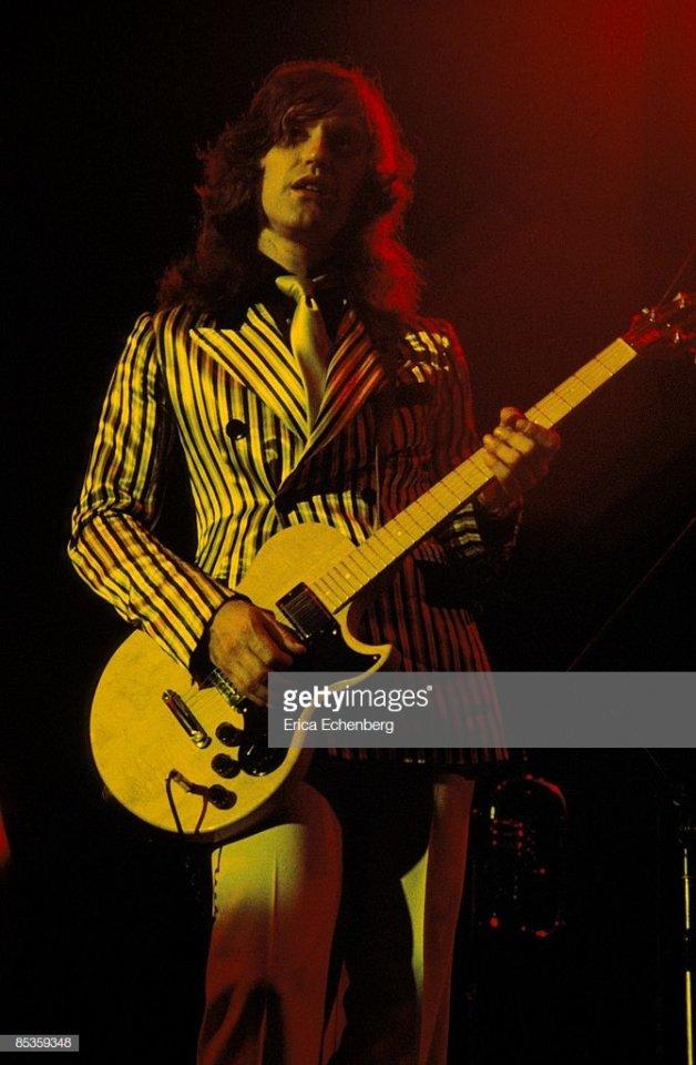 Gibson L6S-Dave Davies Kinks.jpg