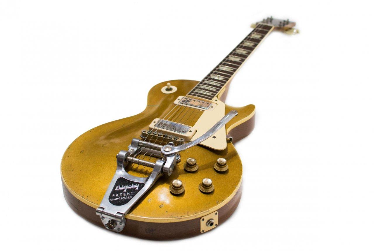 Gibson Les Paul Deluxe 1969 Bigsby 01.jpg