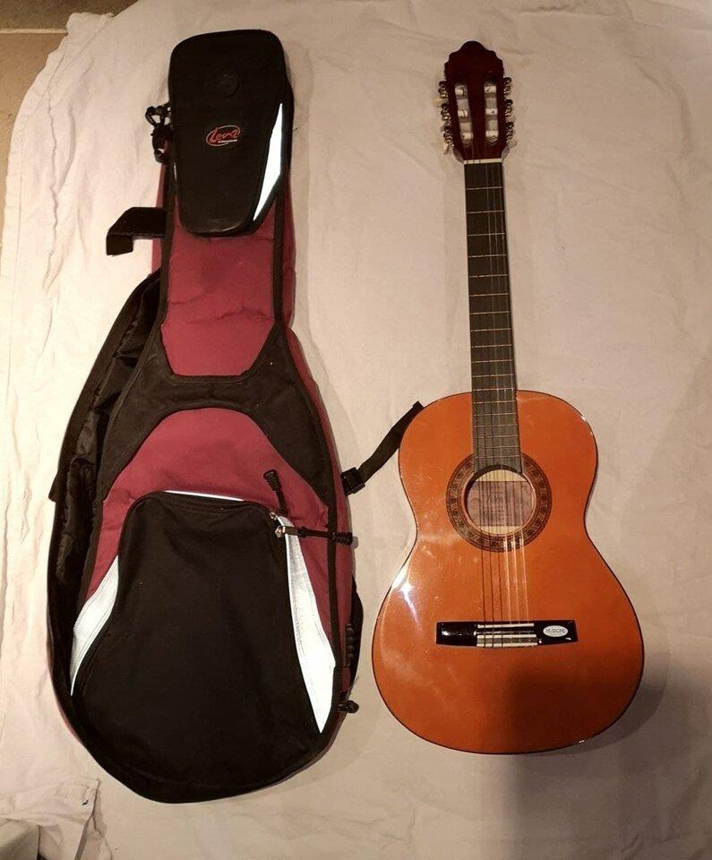Gitarre 1.jpg