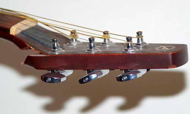Gitarrenhals reparieren