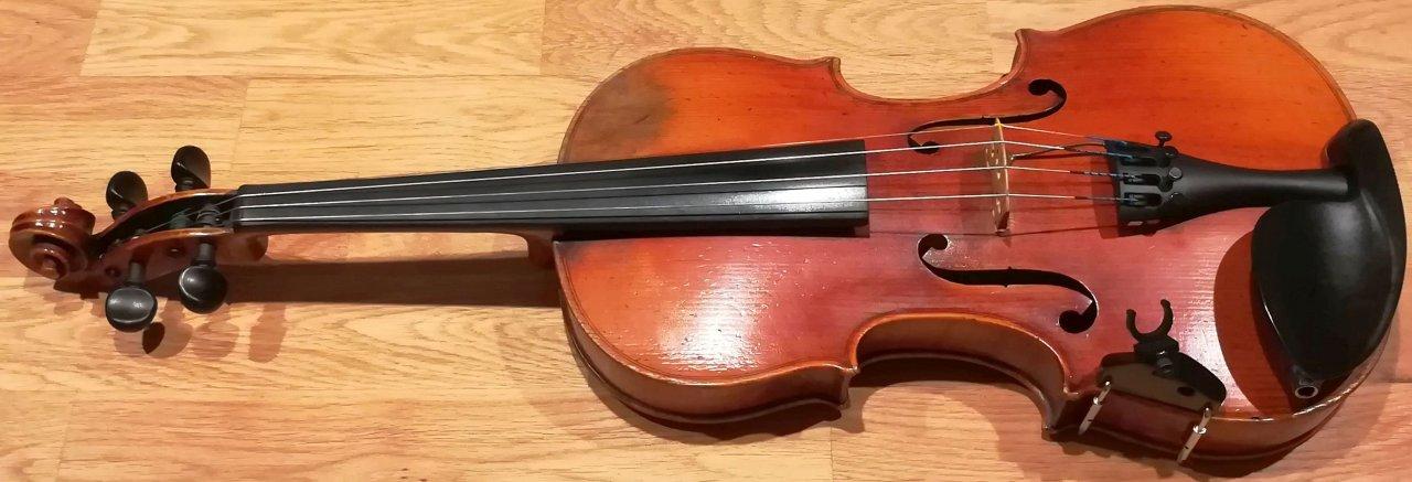 A-Geige mit Wittner Saitenhalter Ultra_2.jpg