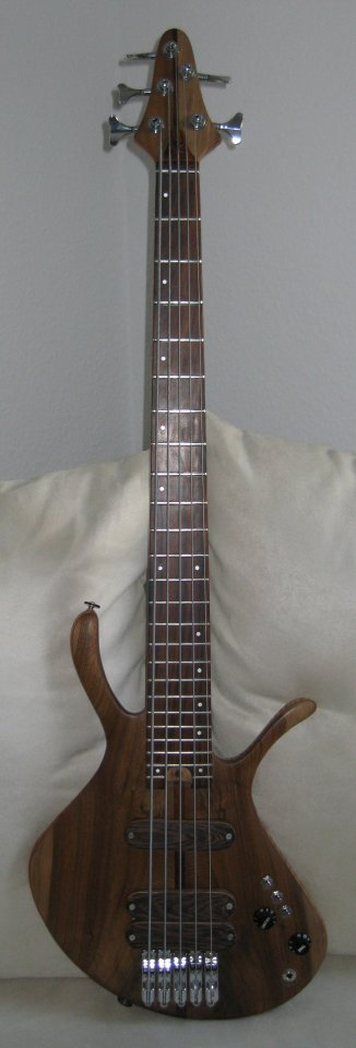 Kaiser 5-string 2012.JPG
