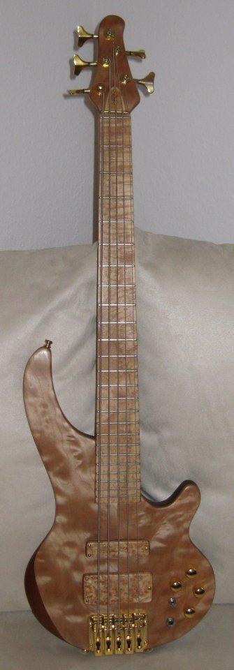 Kaiser Jost Bass 5 shortscale.JPG