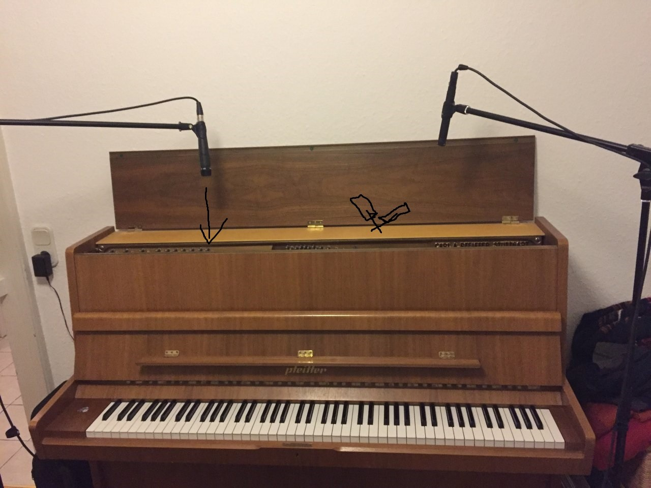 klavier mocros.jpg