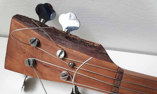 kontrabass-eigenbau-musikerboard.jpg