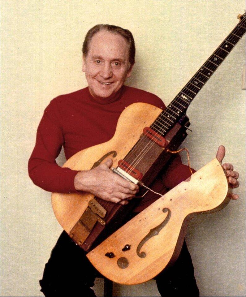 Les+Paul+with+Guitar.jpg
