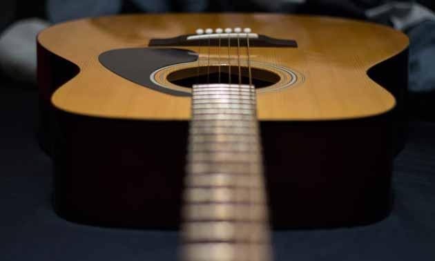mikrofone-im-vergleich-western-gitarre