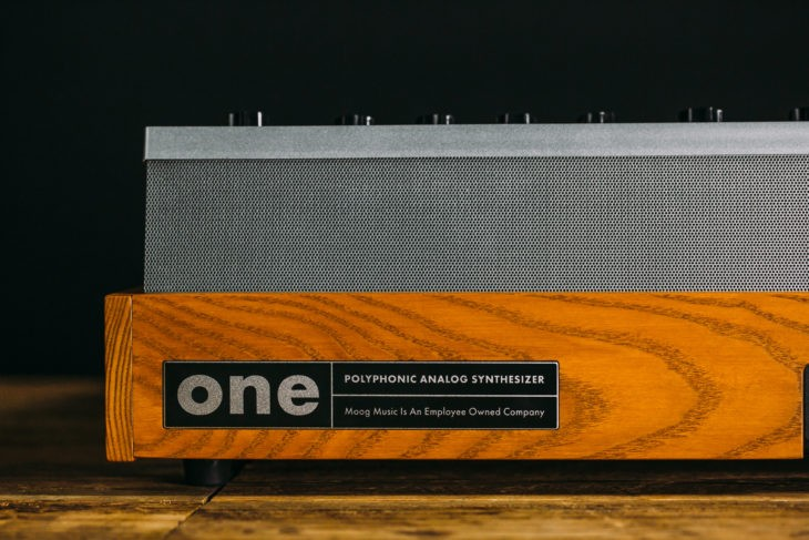 moog-one-presse-back-730x487.jpg