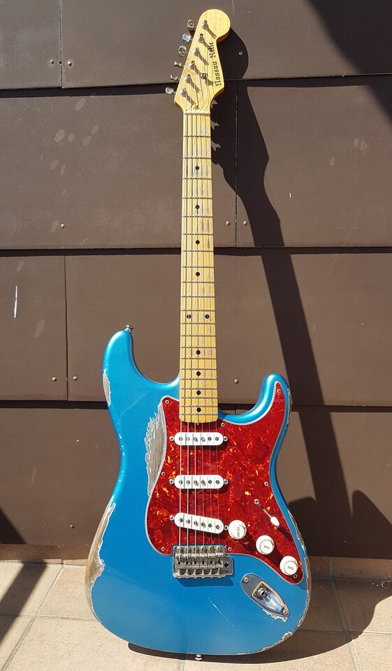 Nassau Relic Stratocaster Aged 001_K.jpg