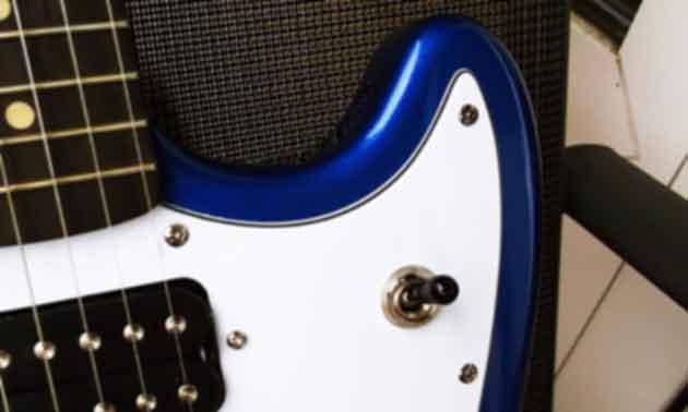 Squier-Fender-Mustang.jpg
