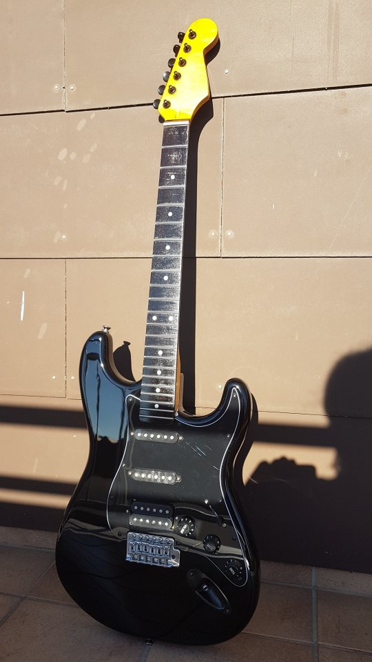 Squier VM Stratocaster 007_K.jpg