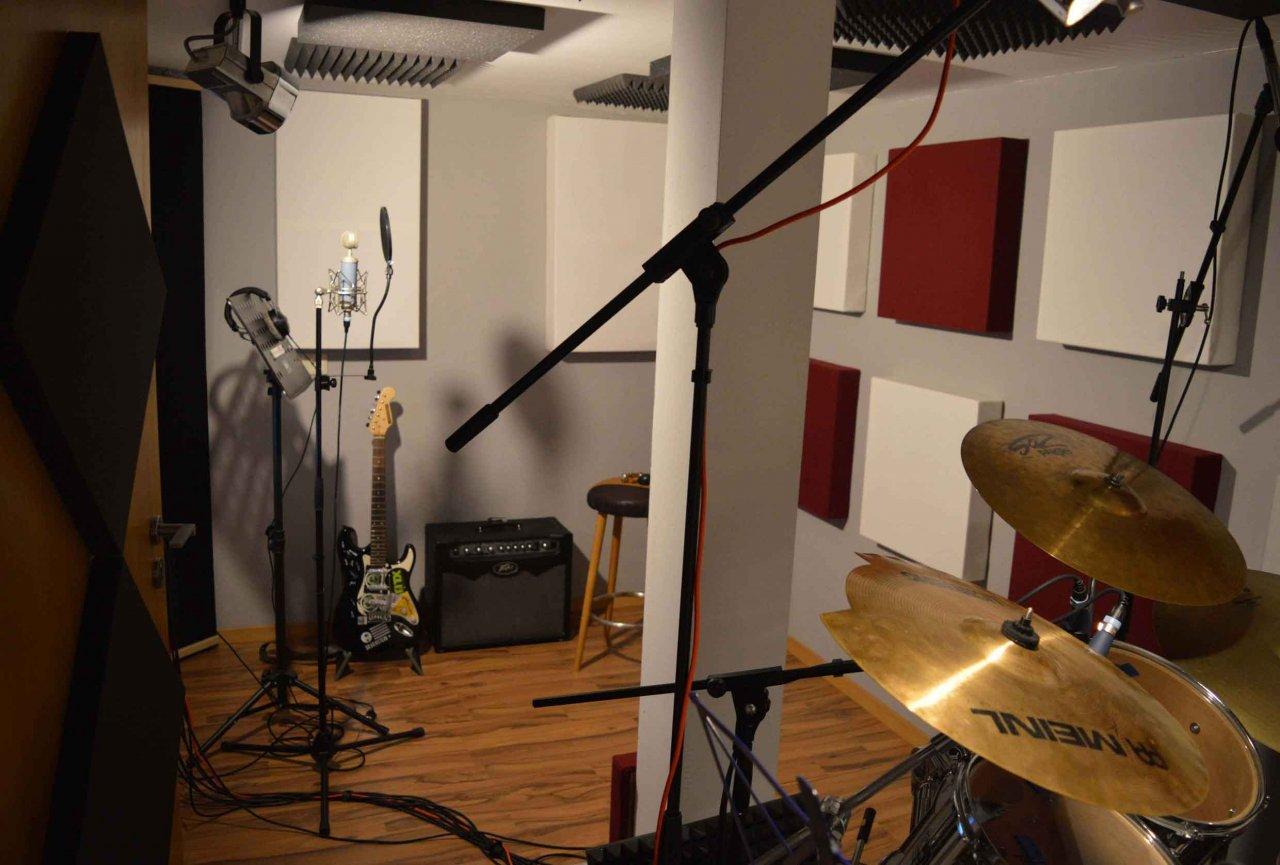 Studio-3-Aufnahmeraum-hinte schlecht.jpg