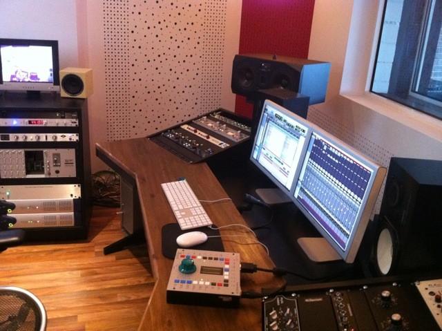 musik studio tisch