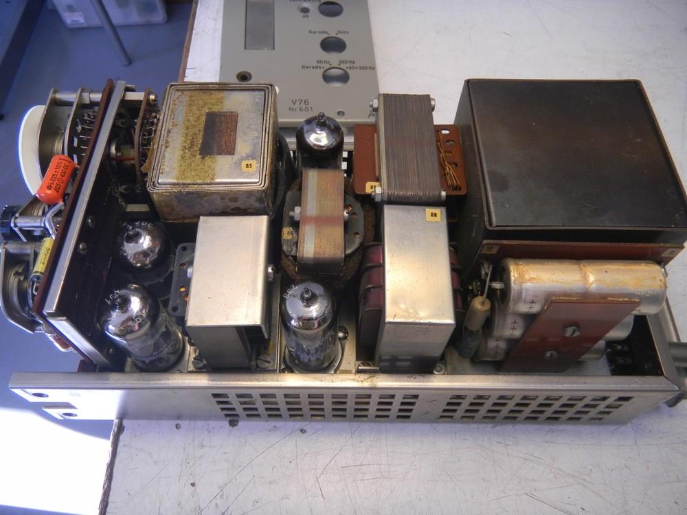 Telefunken V76_Innen.jpg