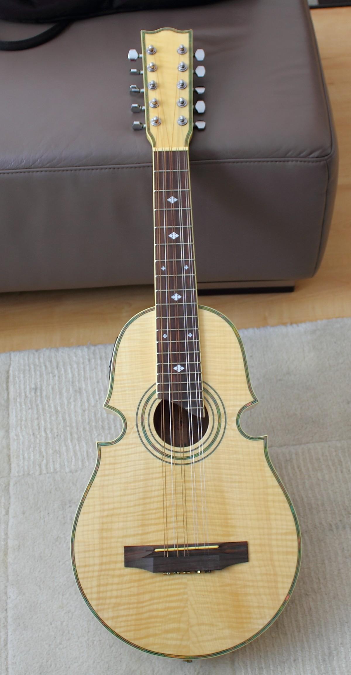 ukulele10saitencuatro6lsna.jpg