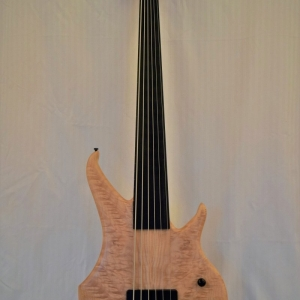 Human Base 6 Saiter fretless
